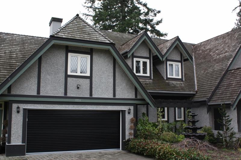 residential garage door vancouver