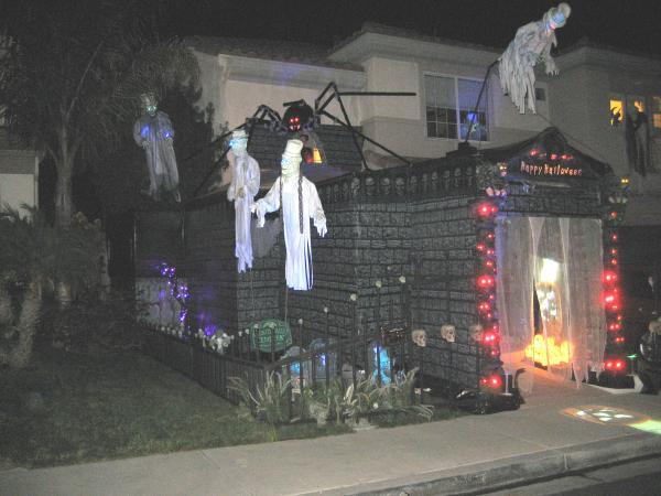 Halloween Home Amp Garage Decorations Smart Garage