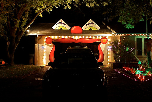 halloween garage decoration a6174946757b77a6767a69ae0af6dc7f