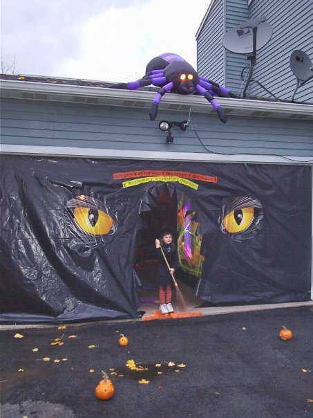 Decorating Ideas > Halloween Home & Garage Decorations  Smart Gara ~ 171003_Garage Door Halloween Decorating Ideas